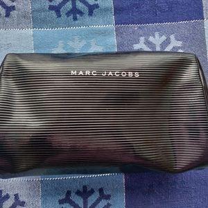 Marc Jacobs Bags - 🐺 Marc Jacobs Makeup Bag 🐺